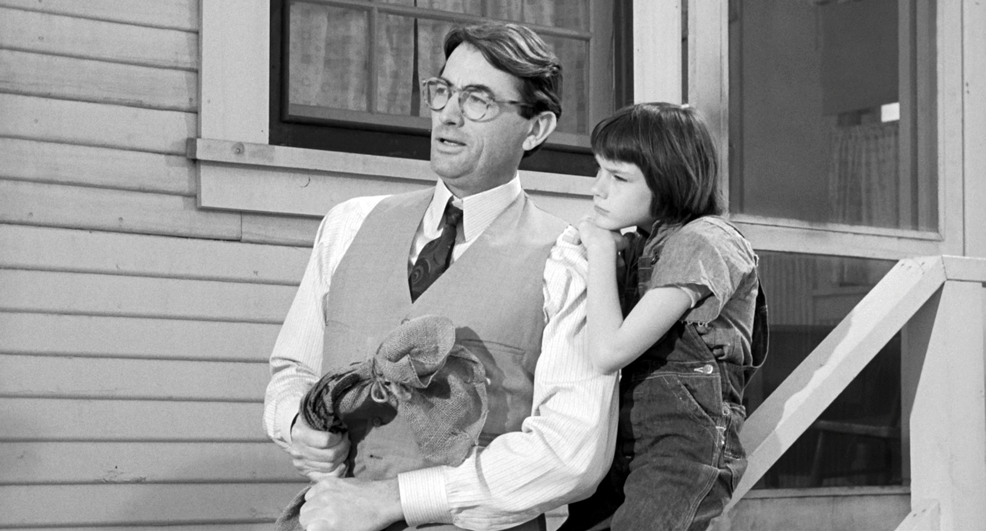 a review of to kill a mockingbird a film by robert mulligan Watch to kill a mockingbird movie trailer and get the latest cast info, photos,  movie review  mockingbird director robert mulligan dies at 83.